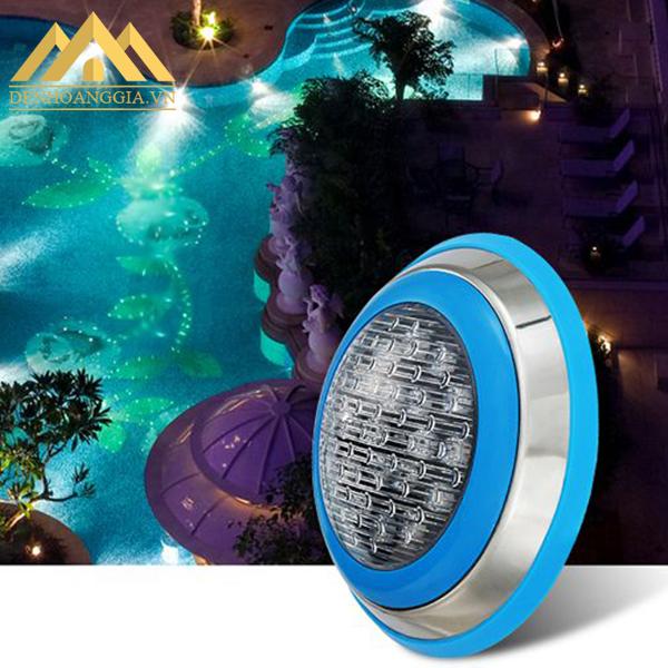 Sử dụng đèn led bể bơi 18w để chiếu sáng và trang trí cho khu vực tiểu cảnh ngoài sân vườn