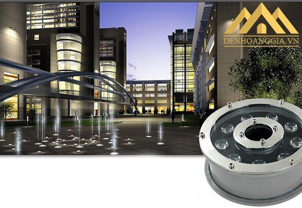 Đèn led âm nước bánh xe 12w có phương chiếu thẳng đứng nên lắp đặt ở những không gian có vòi phun nước sẽ tạo được điểm nổi bật riêng với nhiều màu sắc