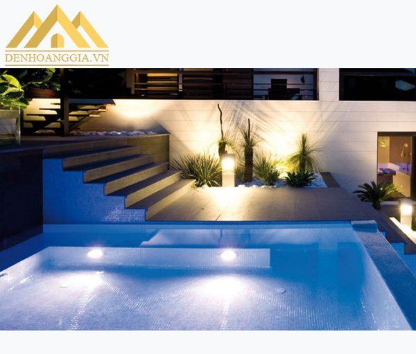 Đèn led bể bơi 12w được lựa chọn lắp đặt cho các hồ bơi trong gia đình, công viên...