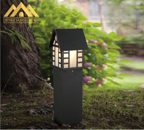 Đèn trụ sân vườn HGA-TSV52 cũng có thể lắp đặt được ở dưới gốc cây để chiếu sáng và trang trí