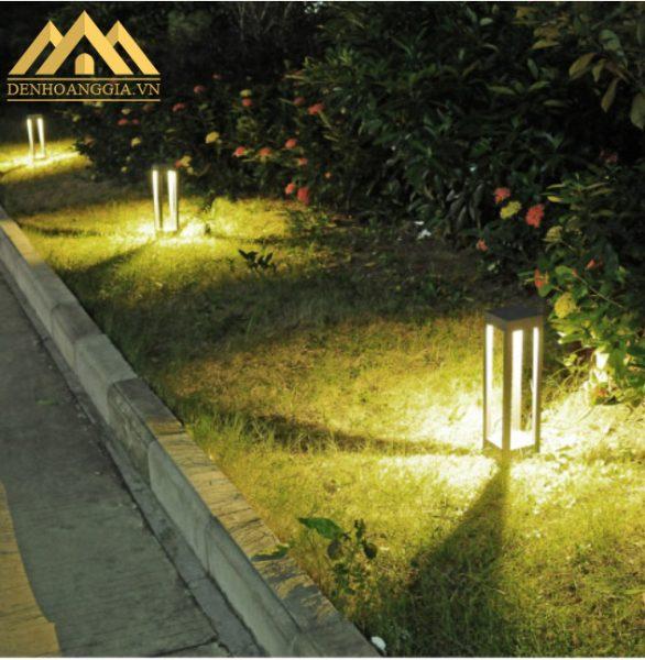 Lắp hệ thống đèn trụ sân vườn chiếu sáng lối đi ở biệt thự tại KĐT Thanh Hà