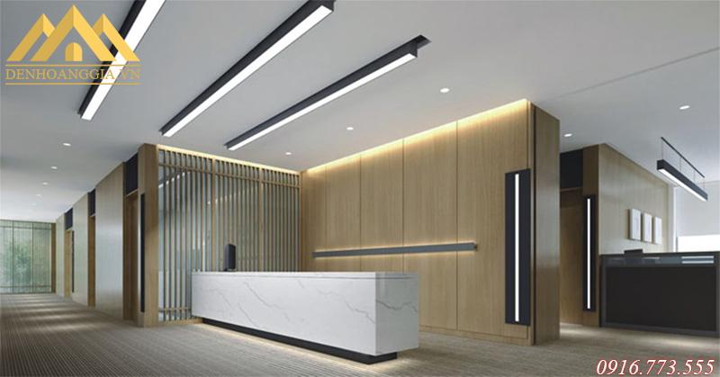 Đèn led thả trần văn phòng dễ dàng điều chỉnh được dộ dài qua các dây cáp