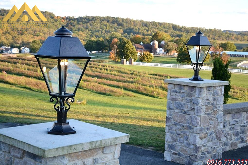 Đèn trụ cổng lắp ở các khu nghỉ dưỡng