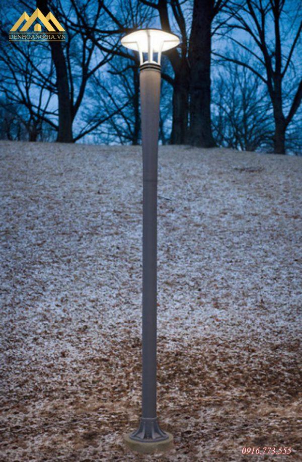 Lắp đèn trụ sân vườn HGA-TSV17 trong công viên
