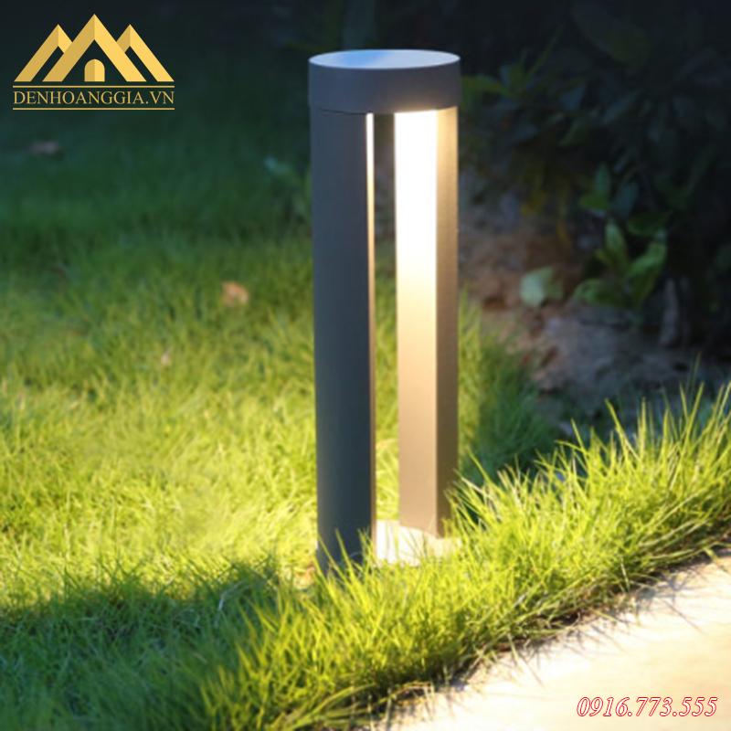 Sử dụng đèn trụ sân vườn lắp đặt cho lối đi ngoài trời