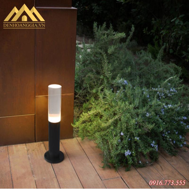 Ánh sáng của đèn trụ sân vườn Rolux-TSV49