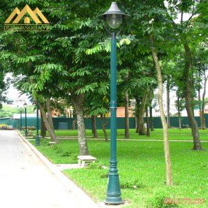 Lắp đặt cột đèn trụ sân vườn Banian