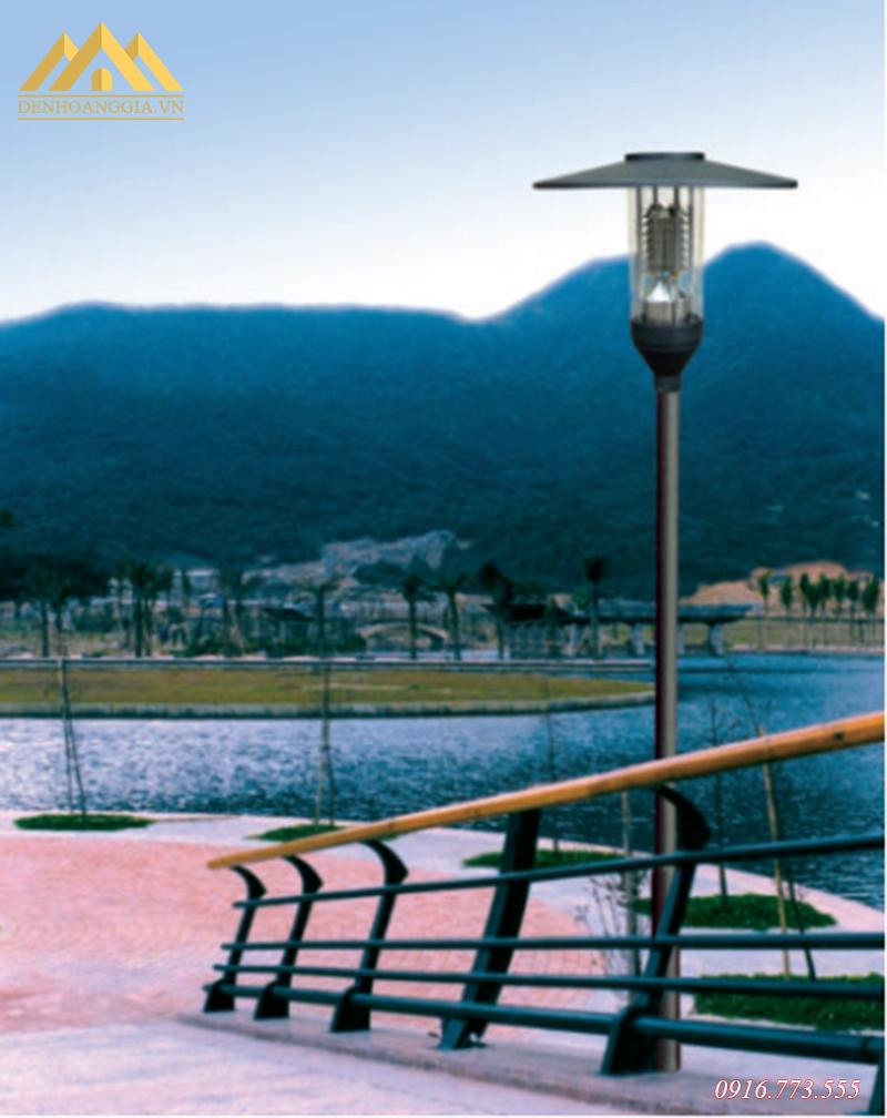 Ứng dụng đèn trụ sân vườn Rolux-TSV40