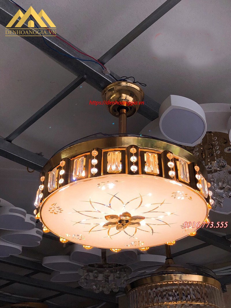 Quạt trần đèn trang trí HGA-QTD-9051