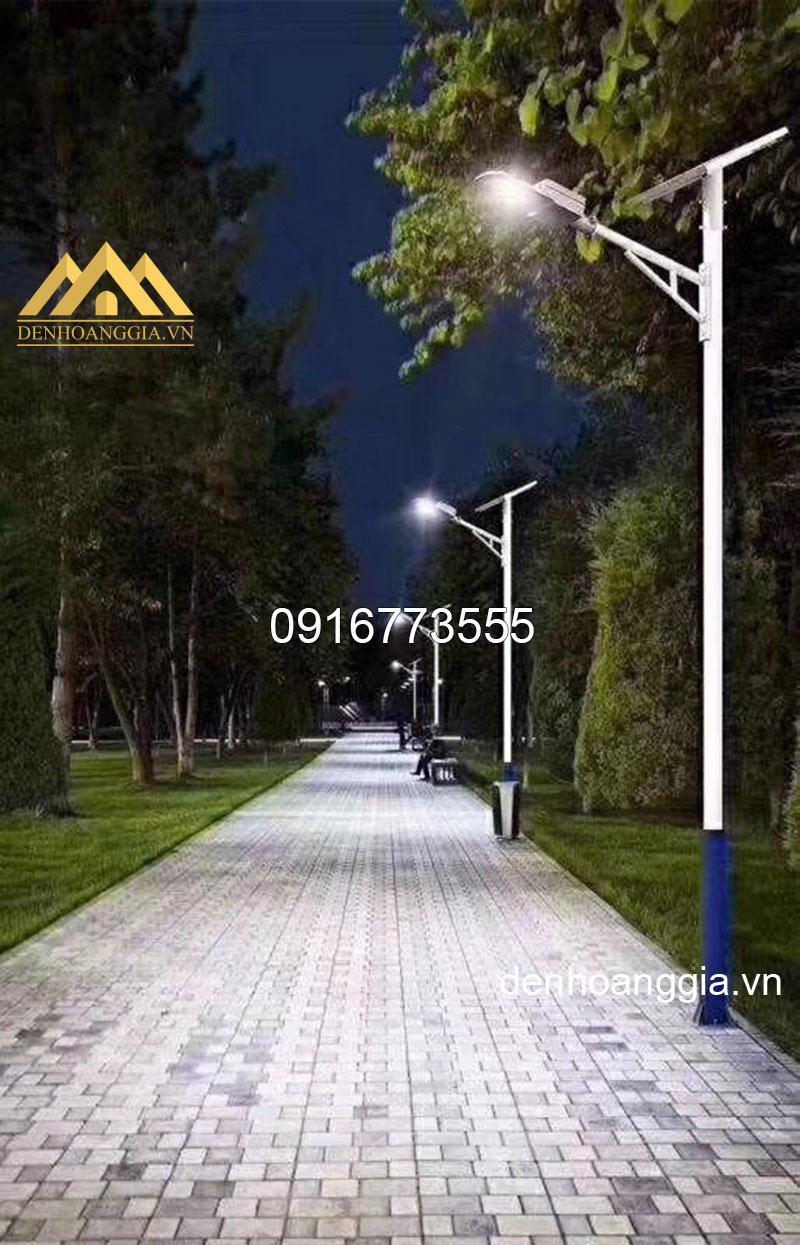Đèn led năng lượng mặt trời chiếu sáng đường phố