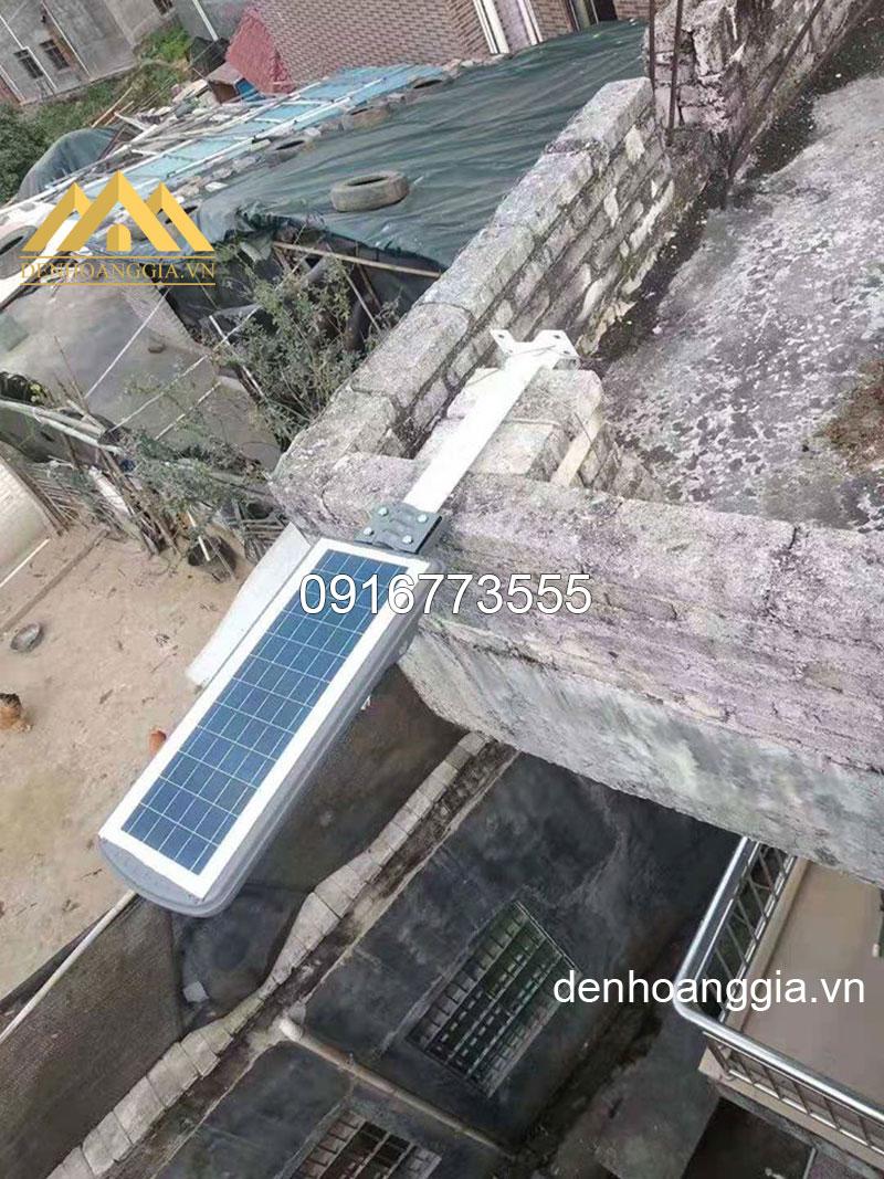 Đèn led solar light năng lượng mặt trời liền thể thắp sáng sân nhà