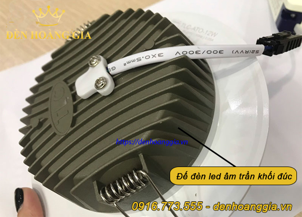 Đế đèn led âm trần khối đúc TOS phù hợp lắp cho trần bê tông