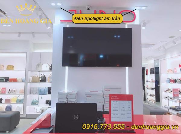 Ứng dụng đèn Spotlight âm trần tại các cửa hàng