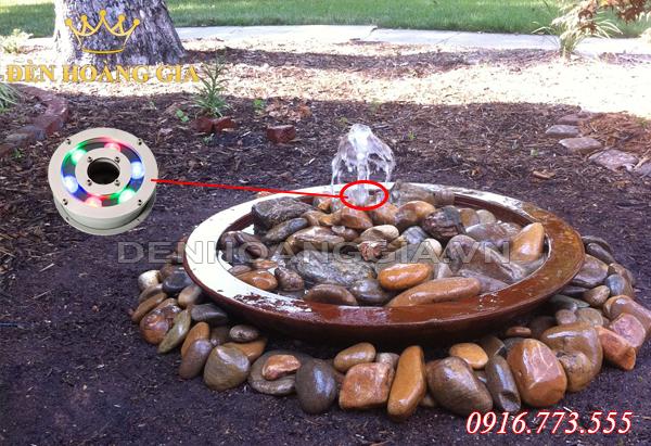 Đài phun nước từ sỏi, đá (Mẫu 2)